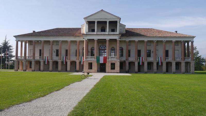 Nuova presa all'ingrosso cerca l'autorizzazione Villa Morosini a Cartigliano